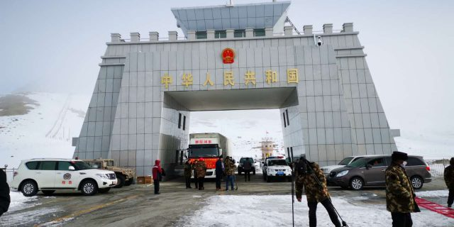 china in action with Pakistan to fight against corona virus